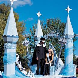 Tall Turrets With Star Arch Parade Float Kit